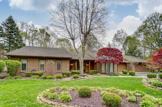 2727 Foxchase Run, Fort Wayne, IN 46825 (MLS #202015841) :: The ORR Home Selling Team