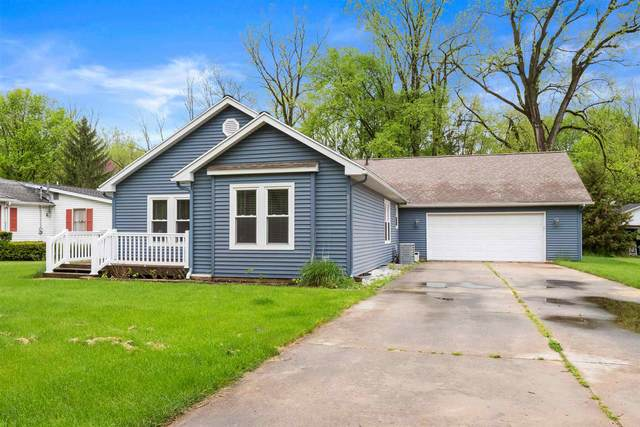 8930 E Crow Road, Syracuse, IN 46567 (MLS #202018226) :: Parker Team