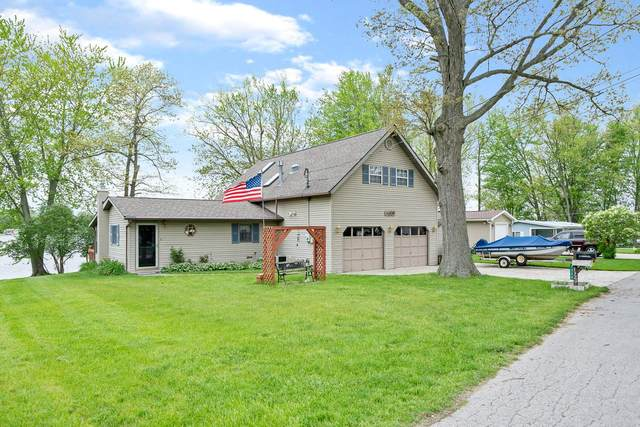 7320 W Lutes Drive, Warsaw, IN 46582 (MLS #202018570) :: Parker Team