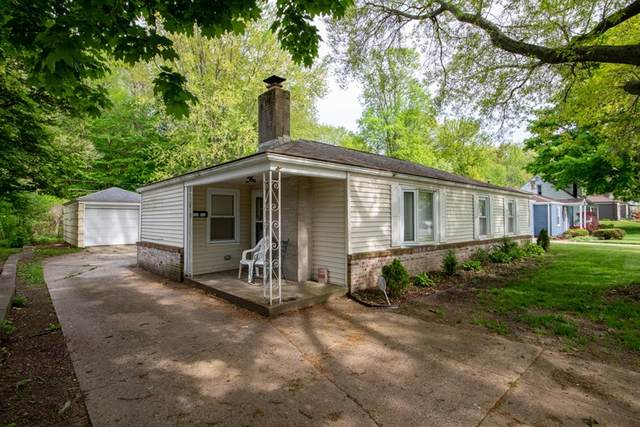 2722 Woodmont Drive, South Bend, IN 46614 (MLS #202018838) :: Parker Team