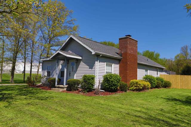 802 W Hanawalt Street, Monticello, IN 47960 (MLS #202019309) :: The Romanski Group - Keller Williams Realty