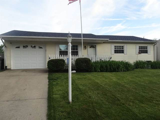 8105 W Colony Drive, Yorktown, IN 47396 (MLS #202019405) :: The ORR Home Selling Team