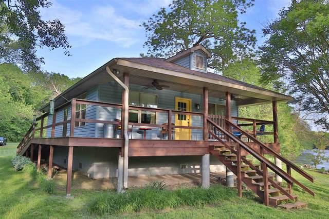 6220 N Sleepy Hollow Road, Monticello, IN 47960 (MLS #202019444) :: The Romanski Group - Keller Williams Realty