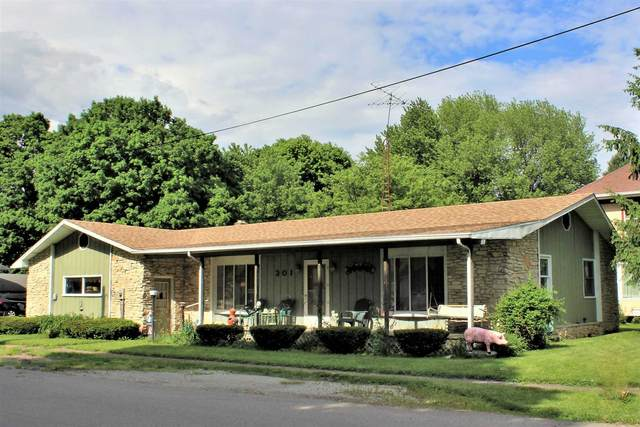 301 Washington Street, Dayton, IN 47941 (MLS #202019643) :: The Romanski Group - Keller Williams Realty