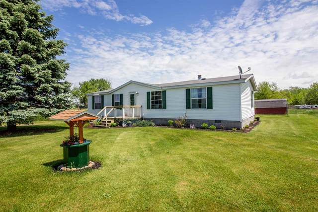 5220 N 675 W, Orland, IN 46776 (MLS #202019738) :: The Dauby Team