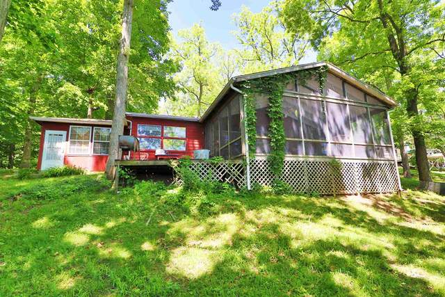 5745 N Stahl Rd, Monticello, IN 47960 (MLS #202020412) :: Parker Team