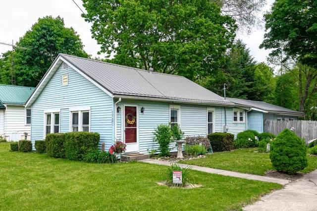 1904 N Byrkit Avenue, Mishawaka, IN 46545 (MLS #202020849) :: The ORR Home Selling Team