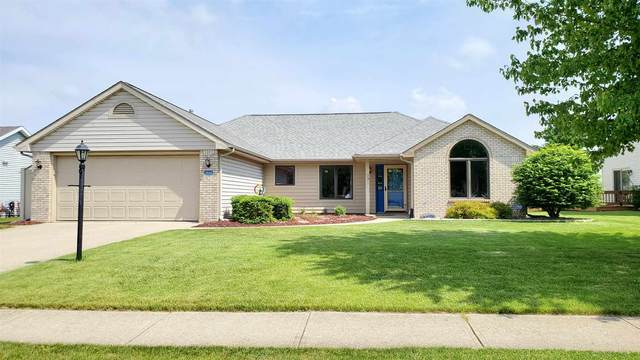9826 White Hill Court, Fort Wayne, IN 46804 (MLS #202020854) :: The ORR Home Selling Team
