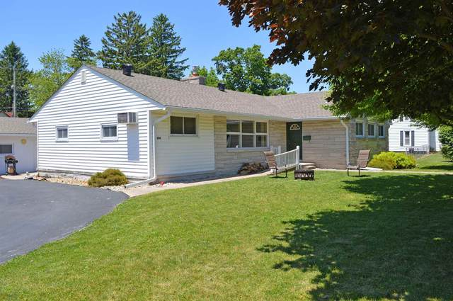 824 S Walnut Street, Fairmount, IN 46928 (MLS #202021183) :: The Romanski Group - Keller Williams Realty