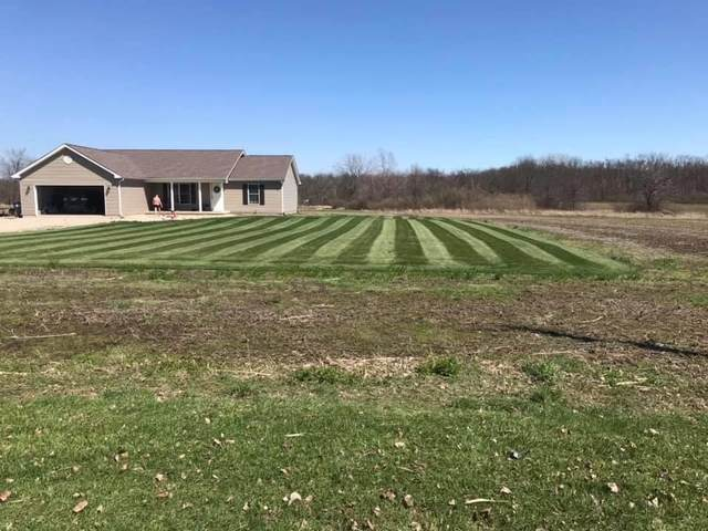 7701 N 100 W Road, Hartford City, IN 47348 (MLS #202023220) :: The Romanski Group - Keller Williams Realty