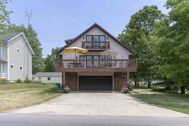 6410 W Orland Rd Lake Gage, Angola, IN 46703 (MLS #202023481) :: TEAM Tamara