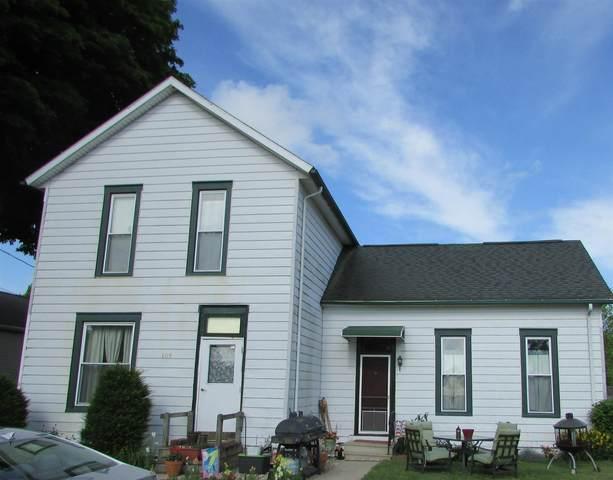 109 N Fourth Street, Pierceton, IN 46562 (MLS #202024532) :: TEAM Tamara