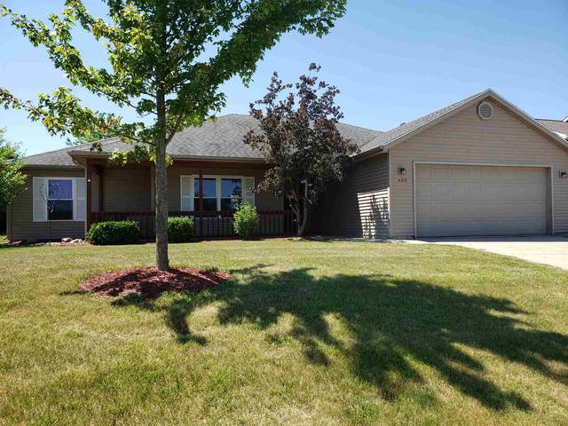 400 Riverview Drive, Albion, IN 46701 (MLS #202024989) :: The ORR Home Selling Team