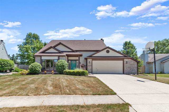 5411 Lonesome Oak Court, Fort Wayne, IN 46845 (MLS #202025921) :: TEAM Tamara