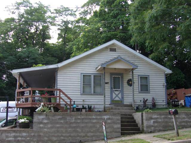 207 E Marion St, Monticello, IN 47960 (MLS #202025930) :: Parker Team
