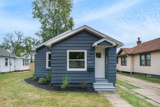 2019 Homewood Avenue, Mishawaka, IN 46544 (MLS #202025981) :: Parker Team