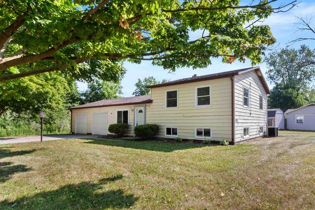 1251 Edenton Drive, Fort Wayne, IN 46804 (MLS #202026112) :: TEAM Tamara