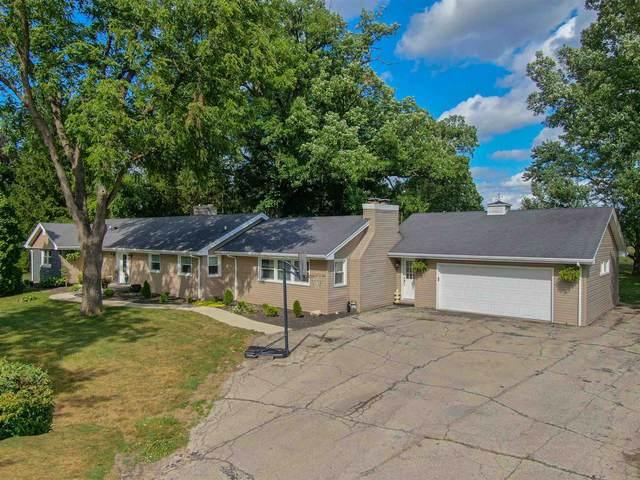 1707 W Overlook Road, Marion, IN 46952 (MLS #202026557) :: The Romanski Group - Keller Williams Realty