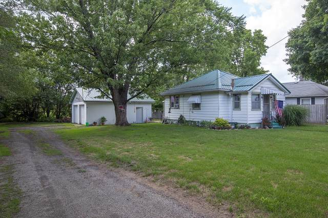 57879 Aurora Avenue, Elkhart, IN 46517 (MLS #202028856) :: Parker Team