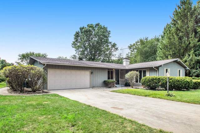 23002 Cambridge Court, Elkhart, IN 46516 (MLS #202029299) :: Parker Team