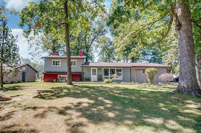 2606 Dellview Drive, Fort Wayne, IN 46816 (MLS #202029429) :: TEAM Tamara