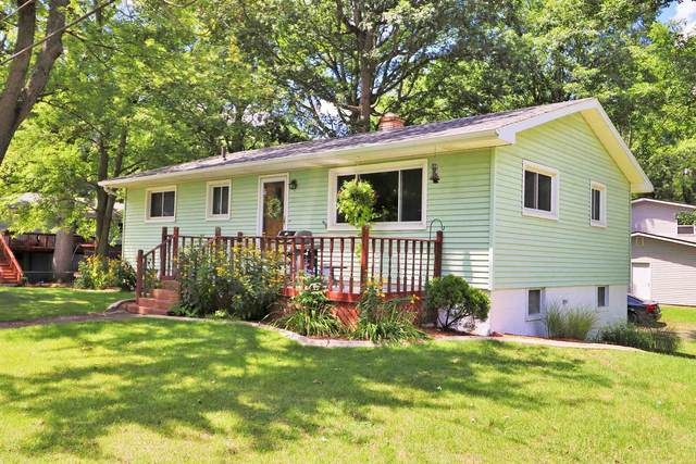 950 Maxwell Avenue, Monticello, IN 47960 (MLS #202029607) :: The Romanski Group - Keller Williams Realty