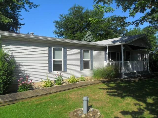 10686 N C Road, Kendallville, IN 46755 (MLS #202030119) :: The ORR Home Selling Team