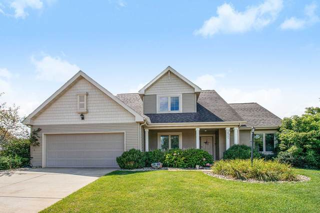 58545 Heather Pointe Dr. Drive, Osceola, IN 46561 (MLS #202030771) :: The ORR Home Selling Team