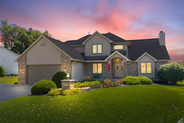 10930 Martin Creek Crossing, Fort Wayne, IN 46845 (MLS #202030785) :: The ORR Home Selling Team