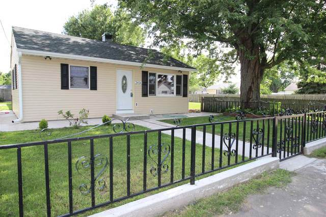 2414 W Calvert Streets, South Bend, IN 46613 (MLS #202030788) :: The ORR Home Selling Team