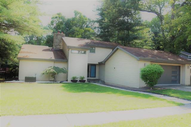 2530 E Round Hill Lane, Bloomington, IN 47401 (MLS #202032829) :: Anthony REALTORS