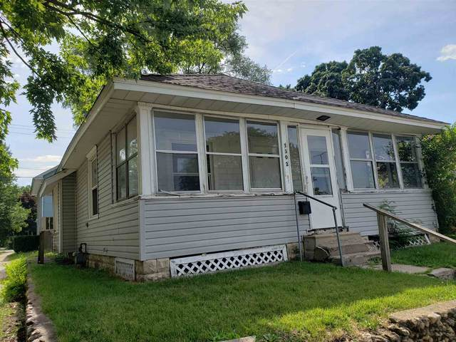 1302 S 29th Street, South Bend, IN 46615 (MLS #202033150) :: Aimee Ness Realty Group