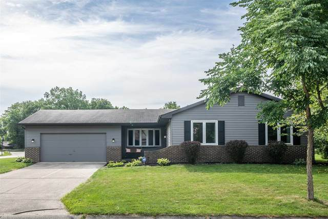 9027 Village Grove Drive, Fort Wayne, IN 46804 (MLS #202033226) :: Parker Team