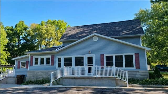 207 S Main Street, LaFontaine, IN 46940 (MLS #202033747) :: The Romanski Group - Keller Williams Realty