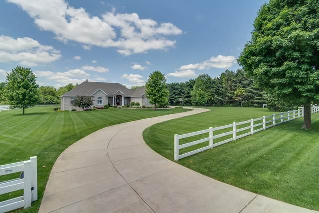 50905 Fox Trail, Granger, IN 46530 (MLS #202034983) :: Anthony REALTORS