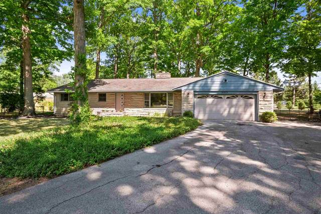 6853 Woodcrest Drive, Fort Wayne, IN 46815 (MLS #202035071) :: Anthony REALTORS
