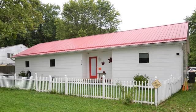704 W Country Club Drive, Bloomington, IN 47403 (MLS #202035228) :: Hoosier Heartland Team | RE/MAX Crossroads
