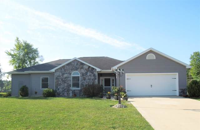 11416 Rio Vista Avenue, Leo, IN 46765 (MLS #202035520) :: Hoosier Heartland Team | RE/MAX Crossroads