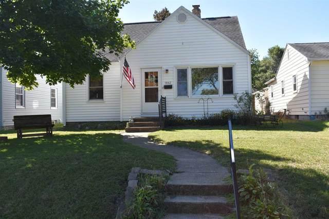 1842 Fox Street, South Bend, IN 46613 (MLS #202035762) :: Hoosier Heartland Team   RE/MAX Crossroads