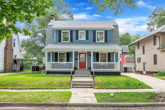 525 Edgewater Drive, South Bend, IN 46601 (MLS #202037135) :: Hoosier Heartland Team | RE/MAX Crossroads
