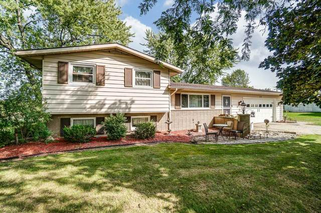 209 Center Street, Kendallville, IN 46755 (MLS #202037335) :: The ORR Home Selling Team