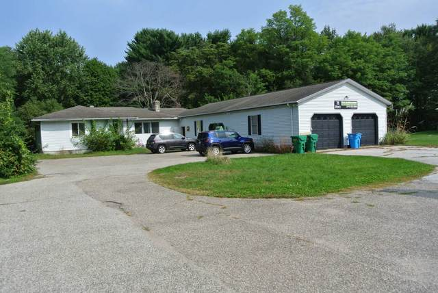 11715 Mckinley Highway, Osceola, IN 46561 (MLS #202040626) :: The ORR Home Selling Team