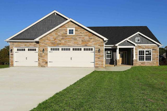 2006 Maple Leaf Drive, Kokomo, IN 46902 (MLS #202040820) :: Hoosier Heartland Team | RE/MAX Crossroads