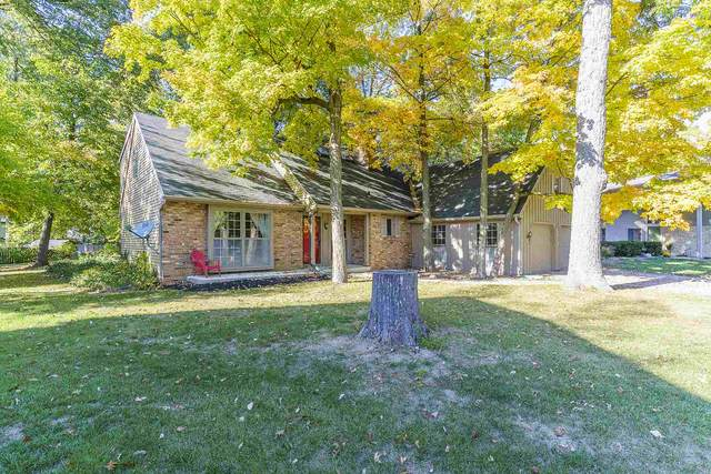 5019 Oak Creek Ct, Fort Wayne, IN 46835 (MLS #202041074) :: Hoosier Heartland Team | RE/MAX Crossroads
