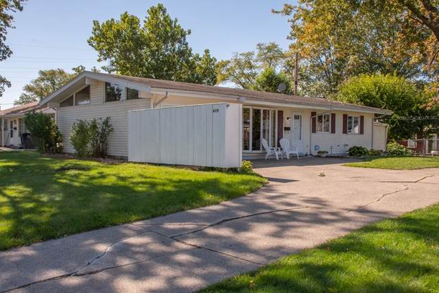 4535 Macdougall Court, South Bend, IN 46614 (MLS #202041099) :: Parker Team