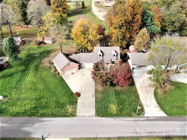 668 W Melchoir S Drive, Santa Claus, IN 47579 (MLS #202042668) :: The Dauby Team