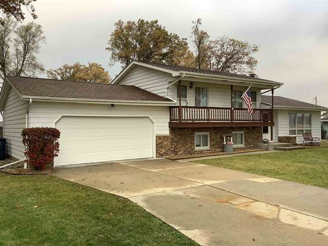 7421 Monroeville Road, Hoagland, IN 46745 (MLS #202043784) :: Parker Team