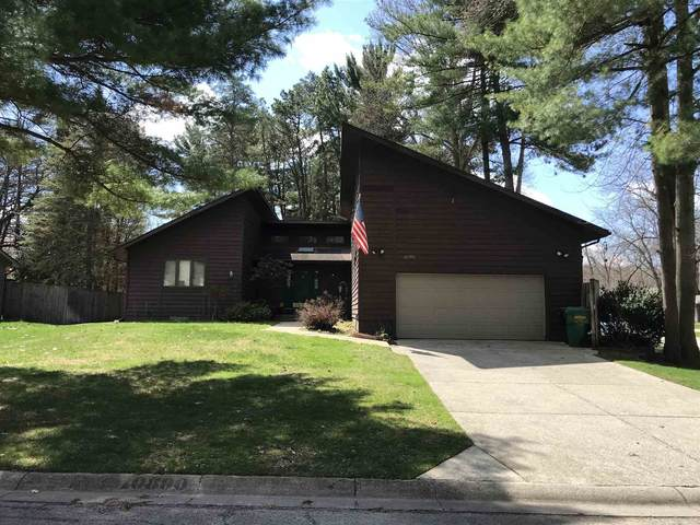 10890 Stutely Drive, Granger, IN 46530 (MLS #202044163) :: The ORR Home Selling Team