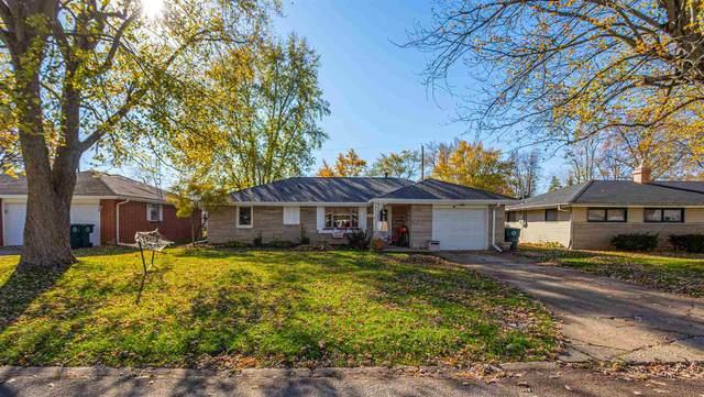 2205 W Surrey Drive, Muncie, IN 47304 (MLS #202044537) :: The ORR Home Selling Team