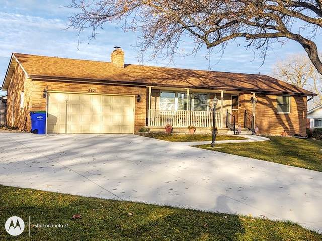 2621 Leesmore Lane, Fort Wayne, IN 46808 (MLS #202045954) :: TEAM Tamara